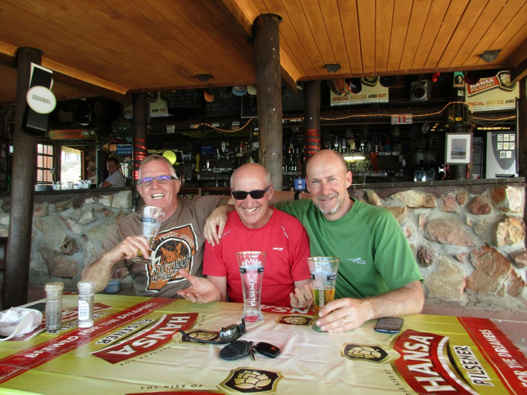 """Die Drei """"an der Tankstelle"""": Gavin, Geordie, Dave"""
